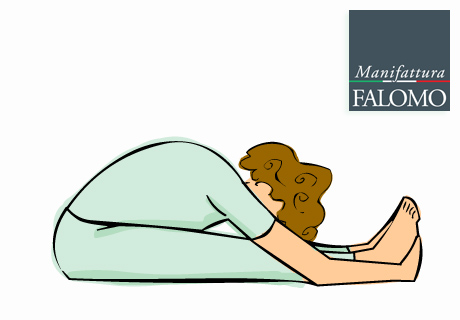 Yoga: paschimottasana position to sleep better.