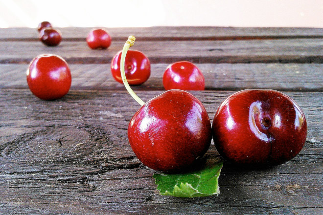 Melatonin natural methods: cherries