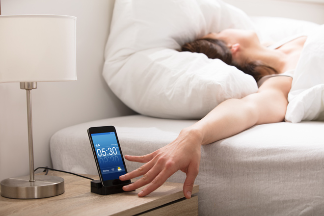 Beware! Neuroscientists confirmed it: using the snooze button spoils your rest!