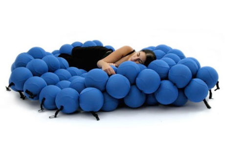 Strangest beds in the world: The molecular bed