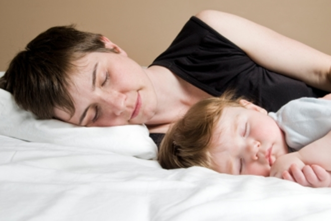 Cosleeping: too old to sleep in the parent's bed?