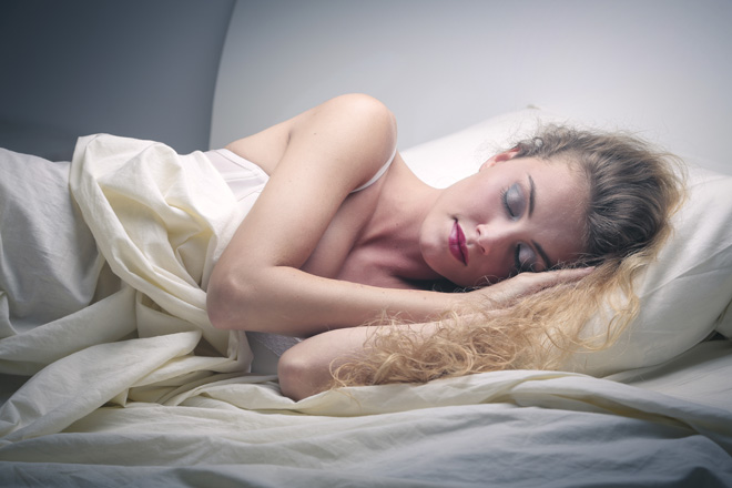 5 good reasons that will keep you from going to sleep without removing your make-up first!