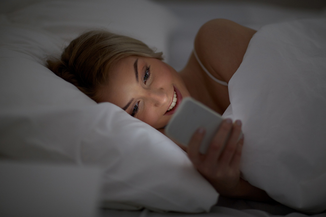 Do you check your smartphone before sleeping? Here's what happens to your brain!