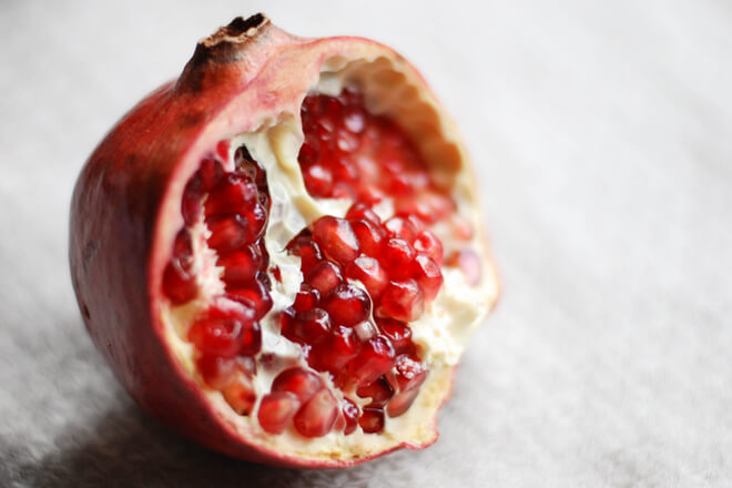 pomegranate-for-better-sleep