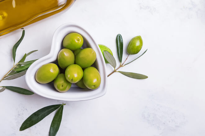 Olive leaves: discover the long tradition dedicated to wellness